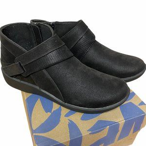 CLOUDSTEPPERS By Clarks SILLIAN RANI Black Boot 9N